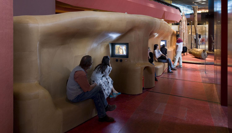 Bornes interactives du musée du quai Branly